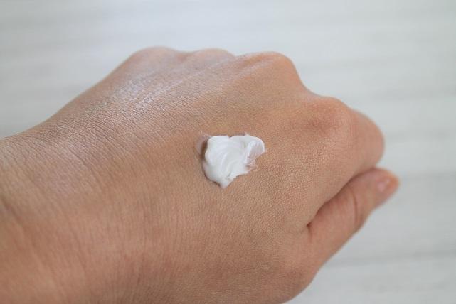 ヒト型セラミド配合クリ―ム